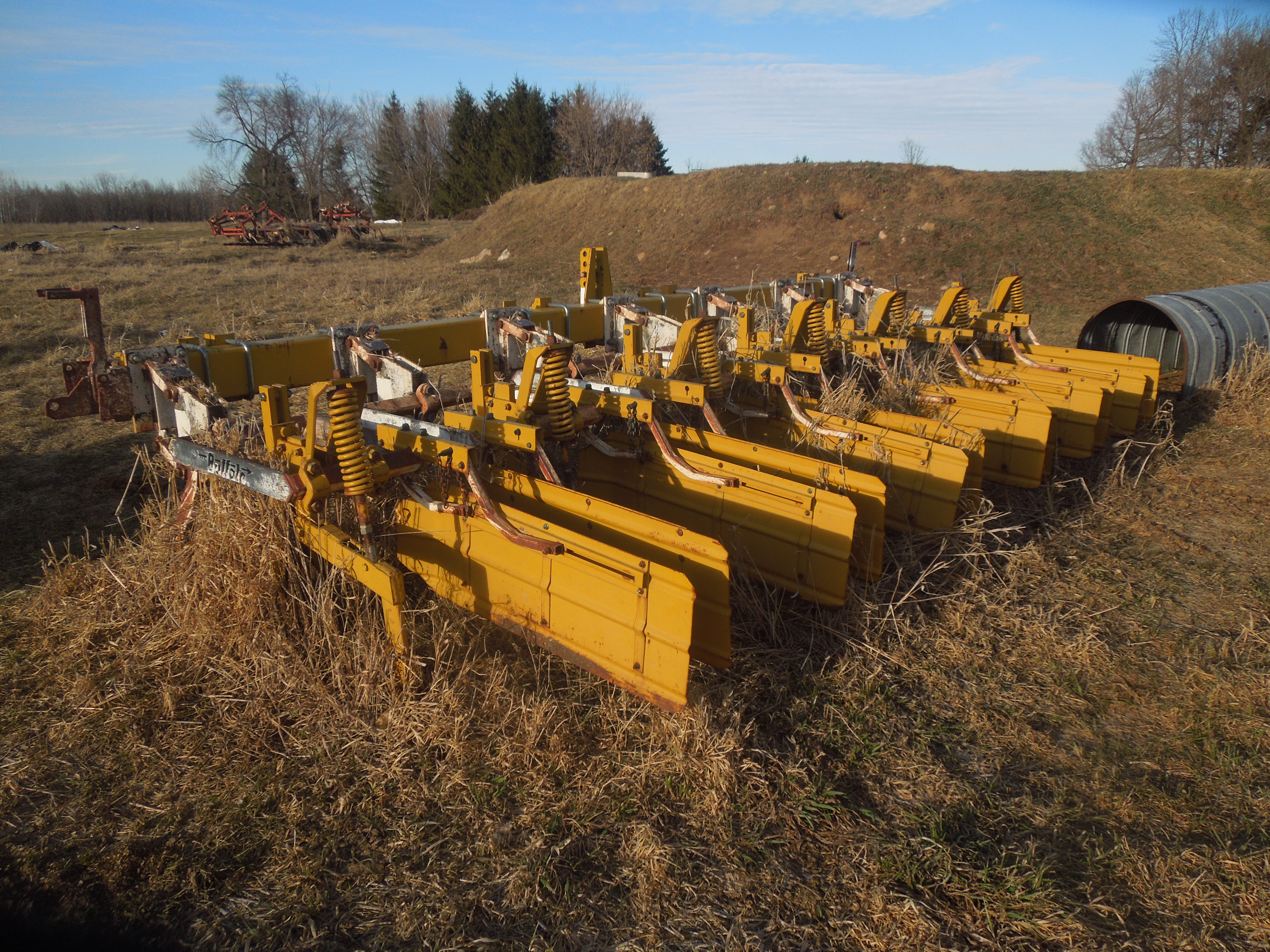 Elmdale Area Farm Machinery ESTATE AUCTION || Beginning at